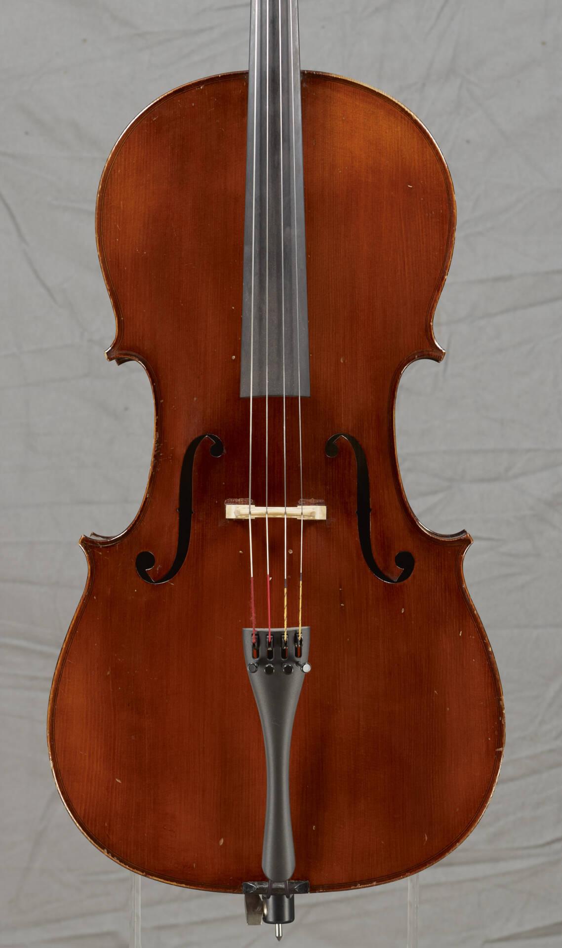 Violoncelle Mirecourt atelier Laberte-Vers 1920-Table